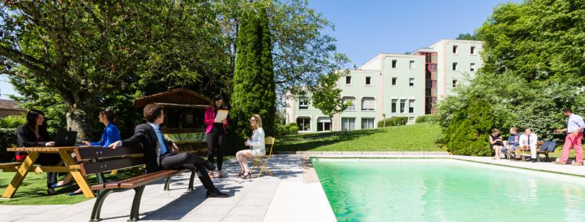 campus de l'Ecole de Savignac - piscine