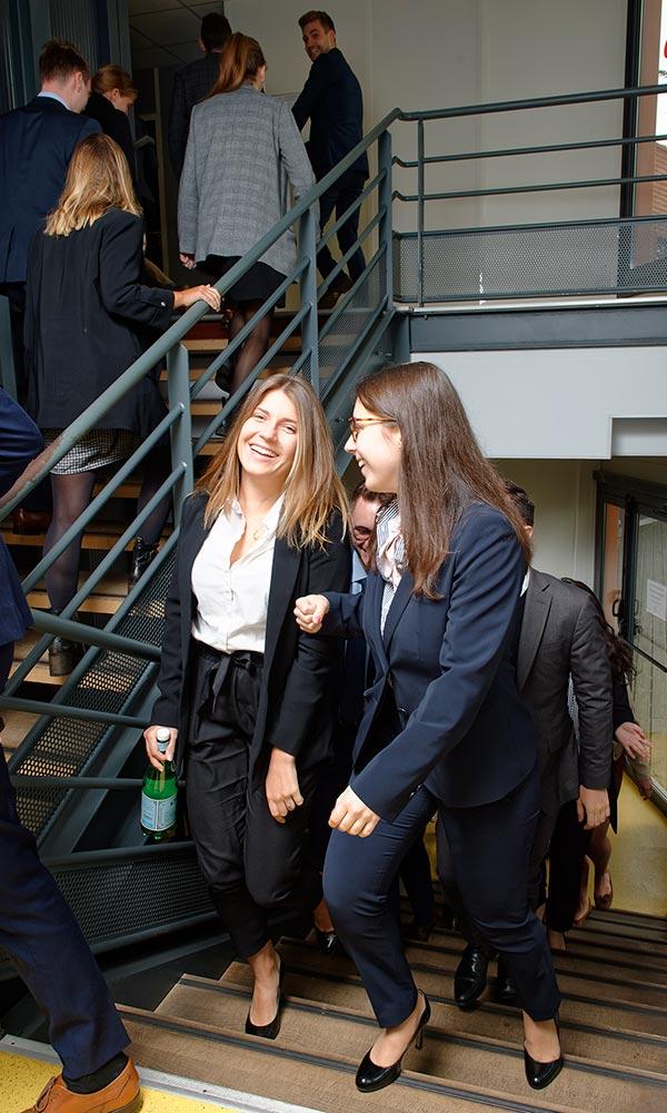 étudiants entre deux cours