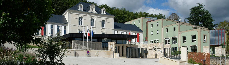 l'entrée du campus de l'Ecole de Savignac